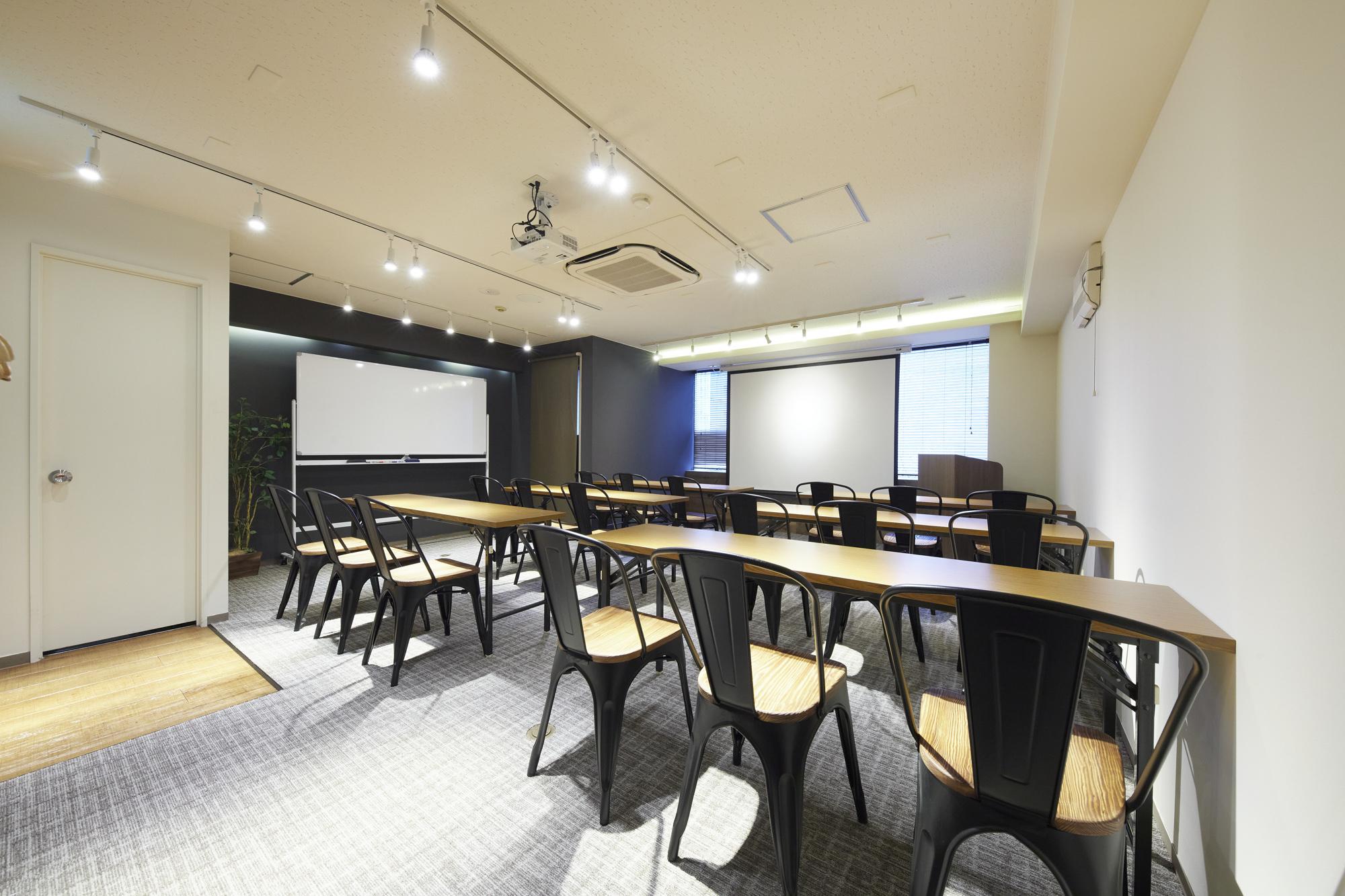 新宿の貸し会議室ならココ!TIME SHARING西新宿 TIME SHARING タイムシェアリング  スペースマネジメント あどばる adval SHARING