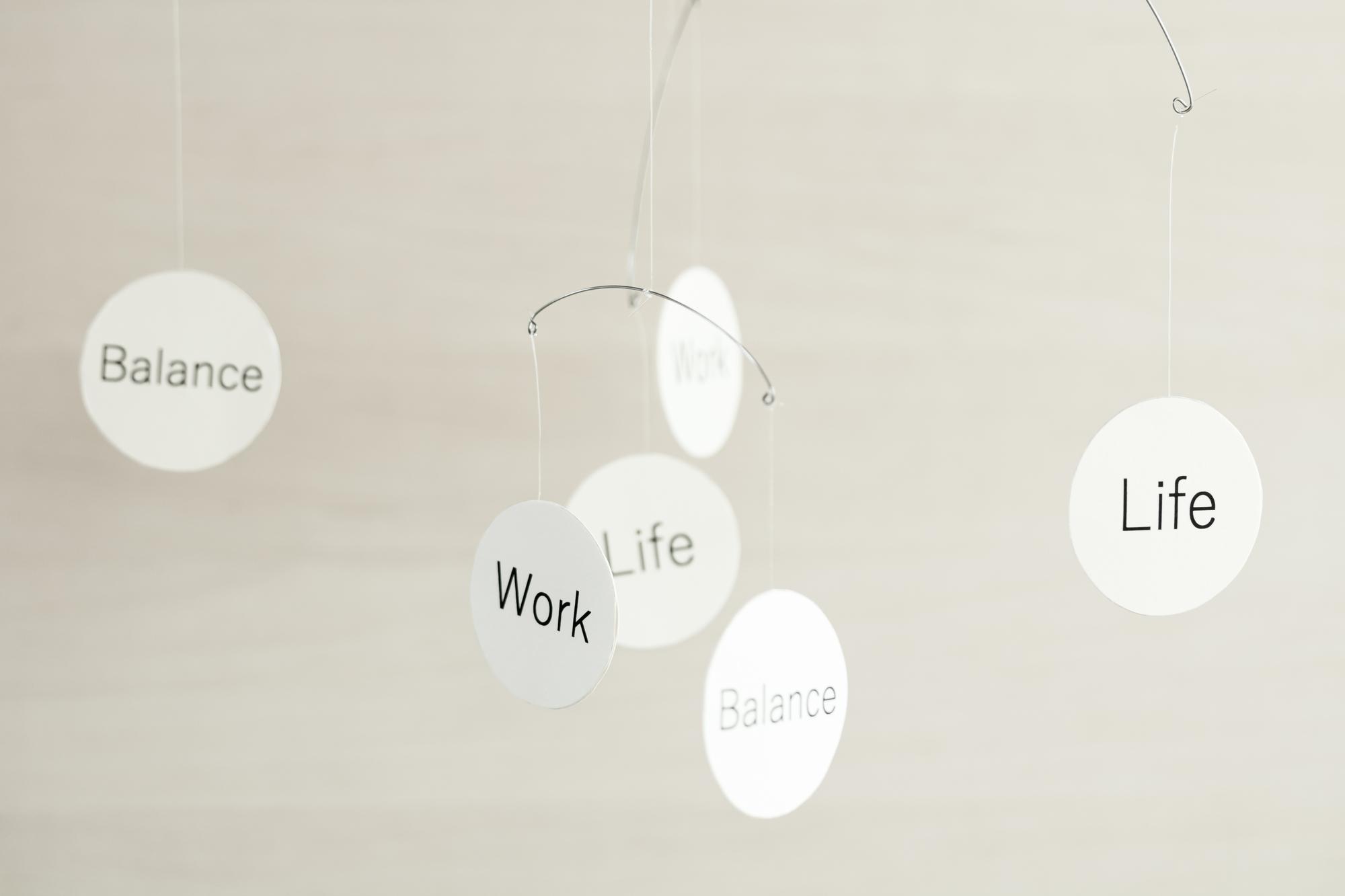 テレワークが当たり前になる未来。私たちの働き方は今後どう変わっていく?|TIME SHARING|タイムシェアリング |スペースマネジメント|あどばる|adval|SHARING
