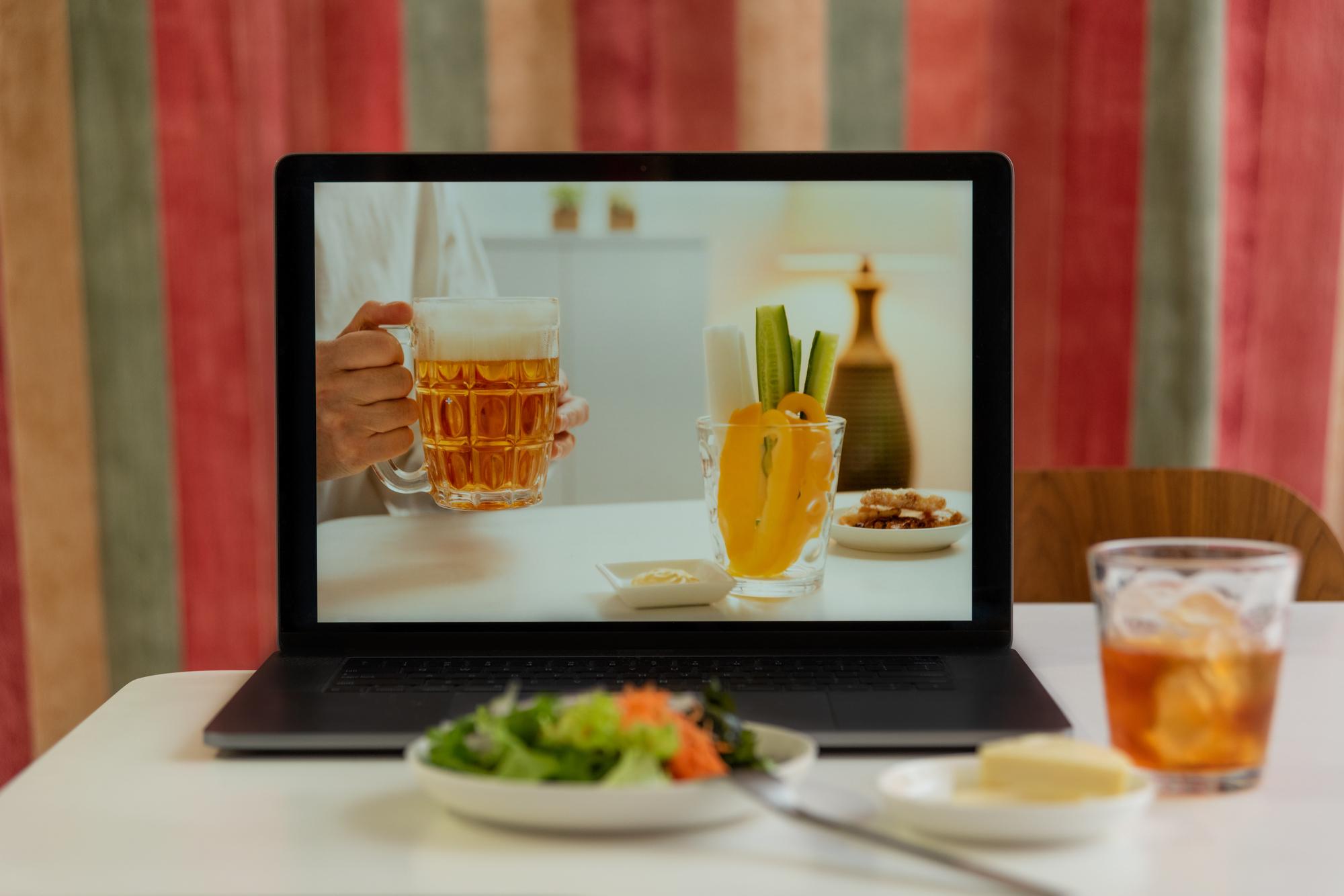 おつまみに困ったら!手作り〜デリバリーまで、オンライン飲み会におすすめのおつまみ6選|TIME SHARING|タイムシェアリング|スペースマネジメント|あどばる|adval|SHARING