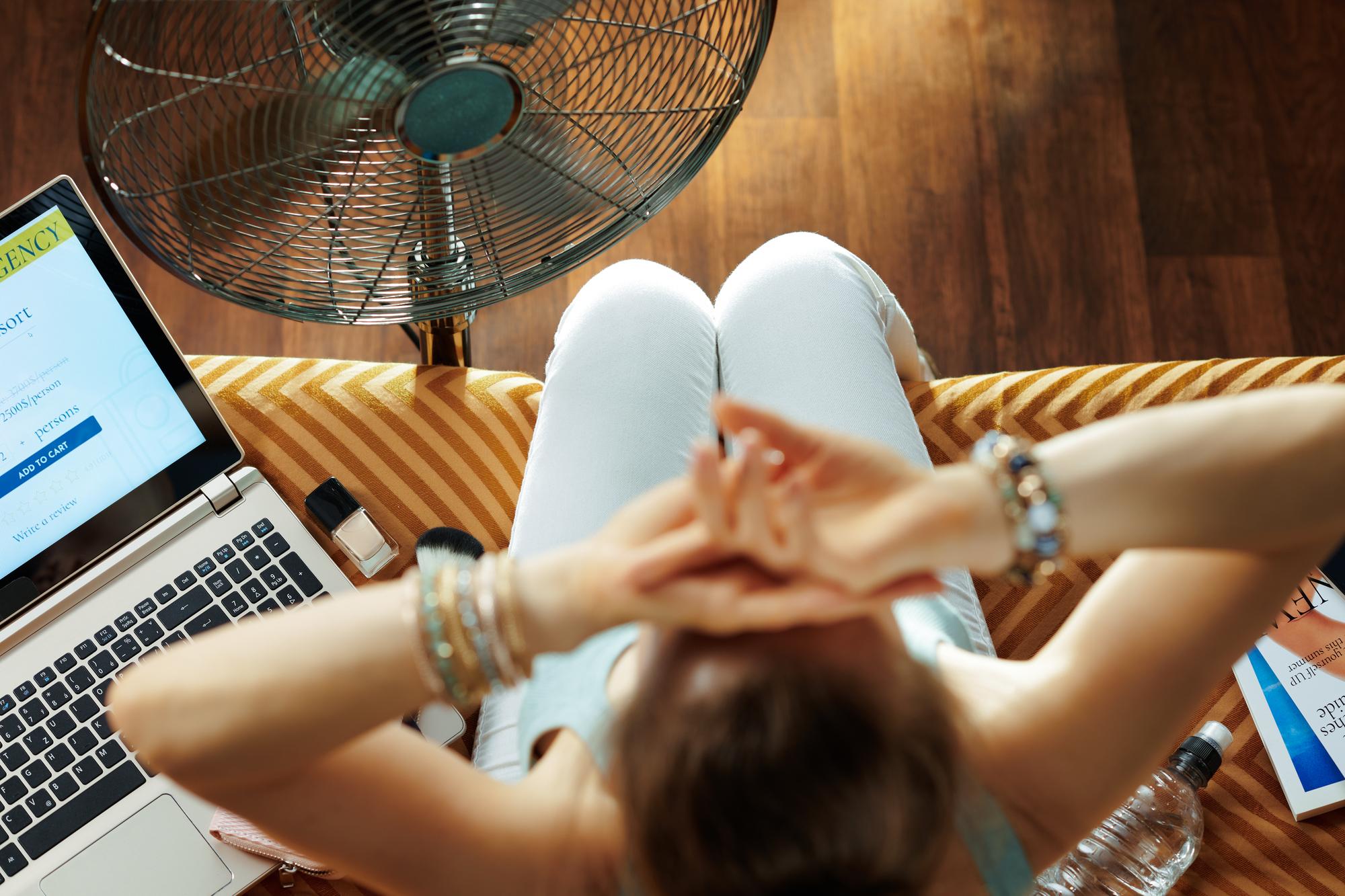 夏でも快適!ひんやりマスクで夏のコロナ対策|TIME SHARING|タイムシェアリング |スペースマネジメント|あどばる|adval|SHARING