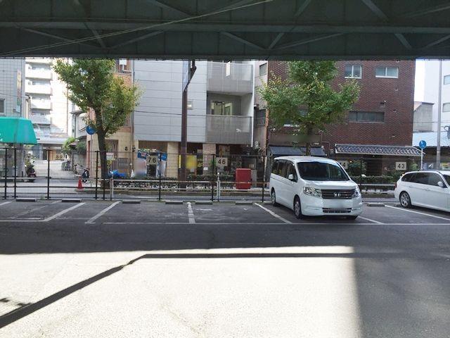 【道順6】場内に入りましたら、ご予約時にお伝えしたスペース番号をご確認し駐車して下さい。