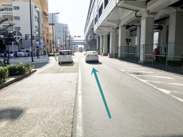 【道順1】みなと通(国道172号線)を「大阪港駅」方面へと進んでください。