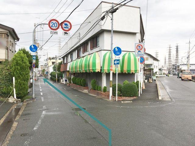 【道順1】国道163号線の「門真大橋西詰交差点」から「古川橋駅」方面へと向かって北へと進み、次のY字路を「左折」して左斜め方向へと進んでください。