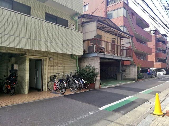 日暮里駅33-22駐車場