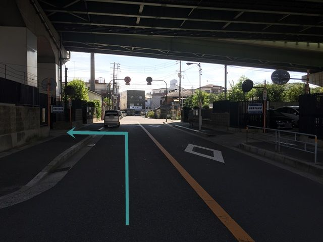 【道順7】当駐車場の向いにもakippa駐車場があります。【姫島第2駐車場】の看板がある駐車場が当駐車場です。