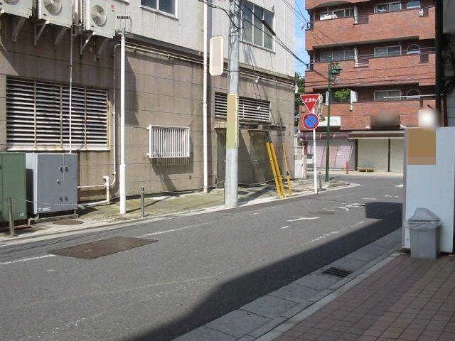 【予約制】akippa 春日部市中央1-10 okinayaビル駐車場の写真URL1