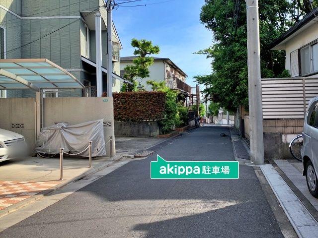 メゾーネ藤駐車場