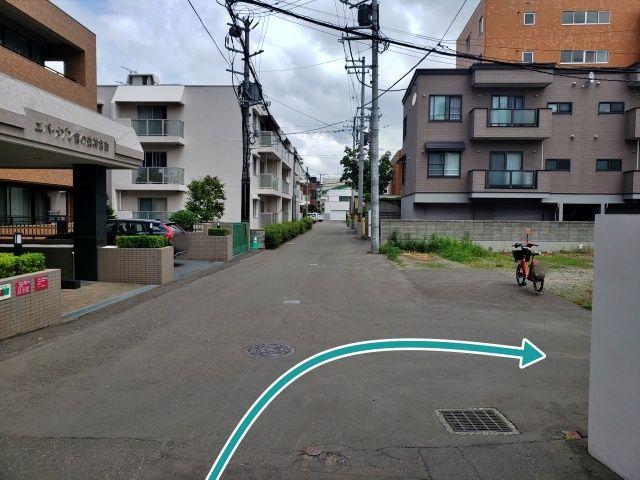 山田邸_中央区北三条駐車場の写真