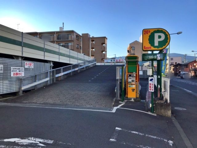2F駐車場入口