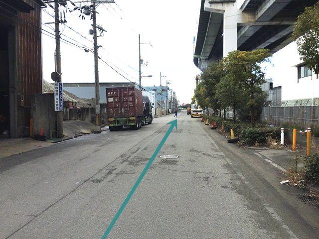 【道順5】道中、トラックなどの大型車の通行が多い場所となりますのでお気をつけ下さい。