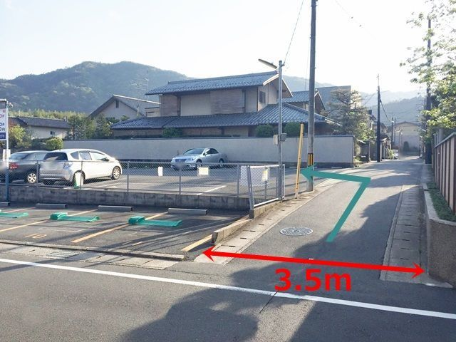 4.コインパーキングの奥にあるのがご利用駐車場になります。
