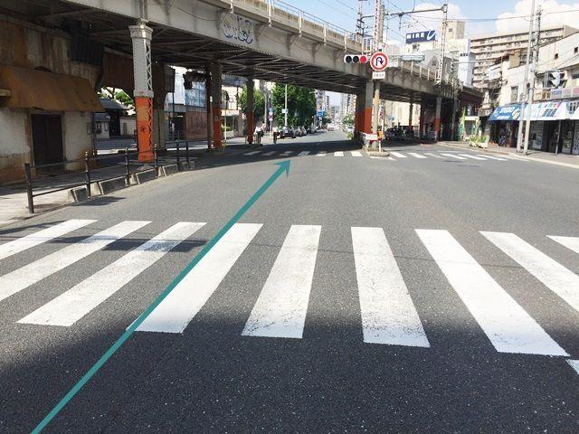 【道順1】都島通「堂山町交差点」から「中崎町駅」方面へ「北東」に進んでください。