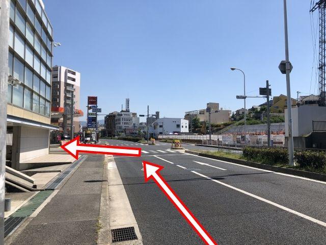 反対方面からは堺泉北環状線伏屋町東交差点を東方向へ左折