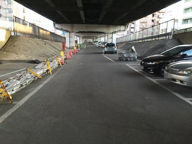 【道順10】駐車場内の写真です。