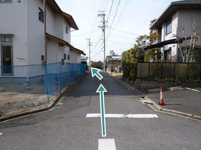 周辺写真2(東側からの進入路)