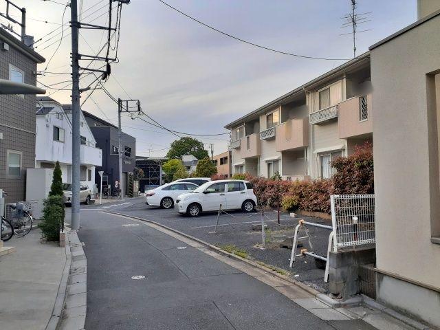 アベニュー竹の塚駐車場