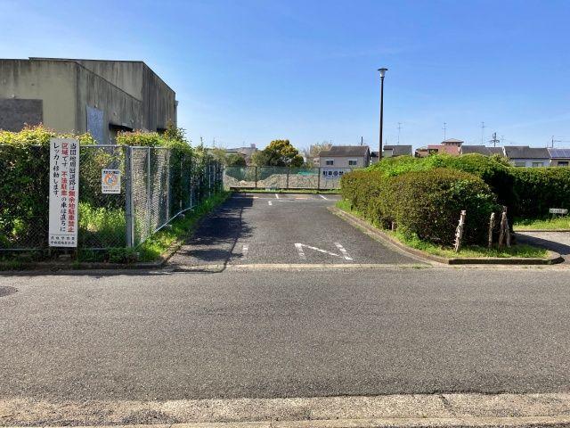 貝塚中央団地駐車場(0111)