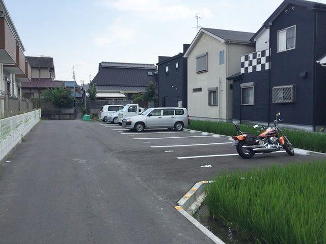 駐車場内の写真です。