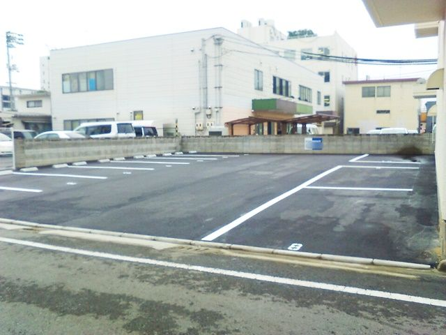 岡町 駐車場