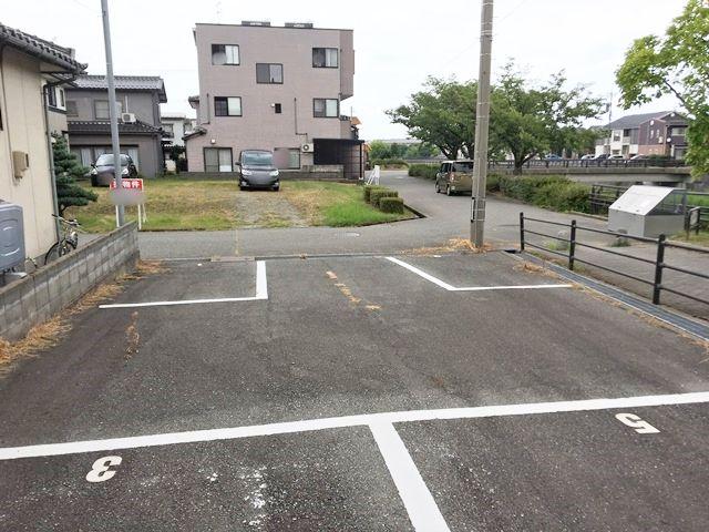 駐車場内からの写真
