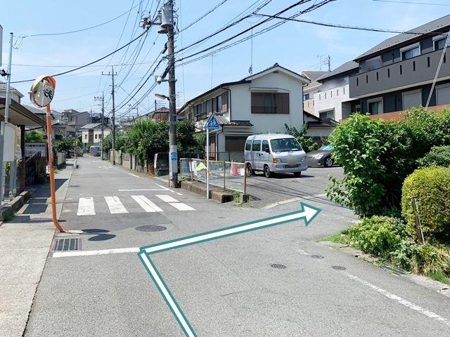 交差点から最初の右側を右折