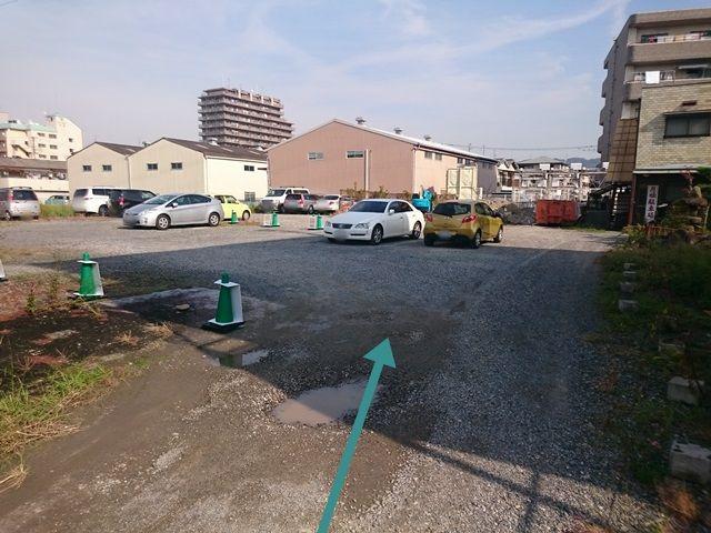 4.駐車場に着きましたら、予約した駐車スペース番号をご確認のうえ駐車してください。