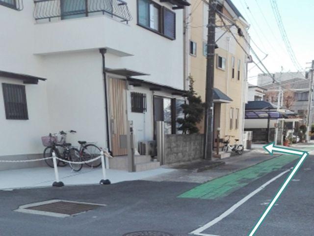 グリーンペルトに添ってすぐ駐車場があります