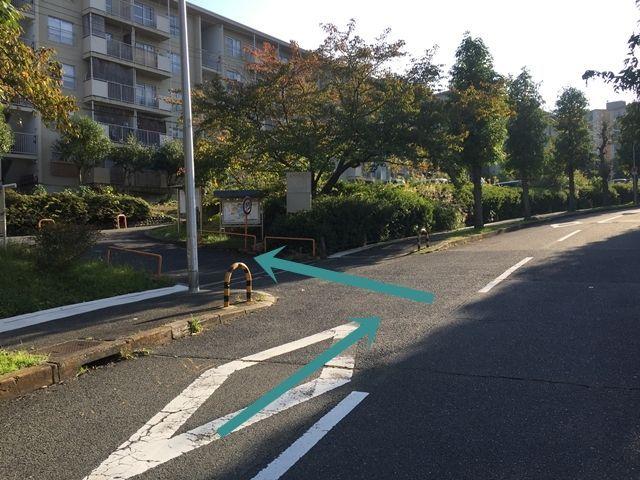 原山台団地駐車場【215番〜288番】(0105)の写真