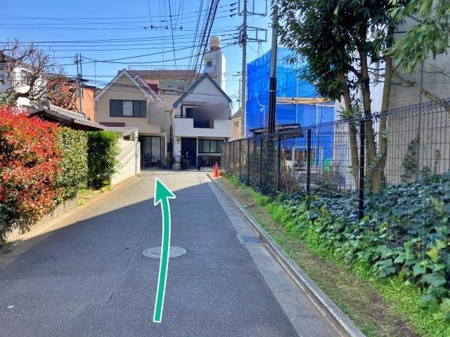 【18:00〜8:00入出庫不可】中里3丁目日置邸[akippa]駐車場