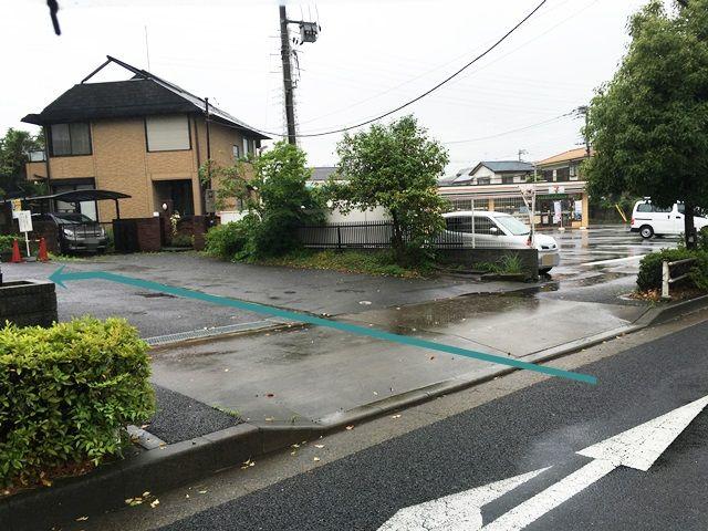 【道順4】左折後、「左側」に駐車場があります。