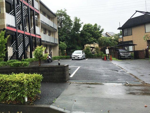 【道順5】駐車場の写真です。