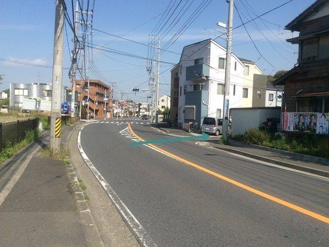 【道順4】右折禁止時間帯は山手学院入口の交差点手前を右折します。