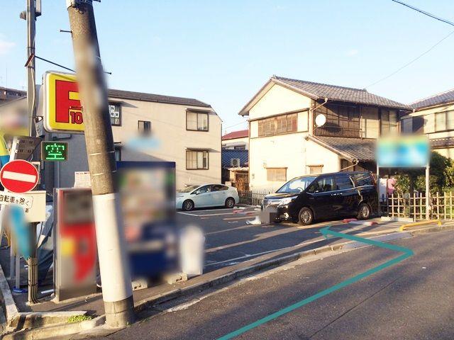 3. 左折後、すぐ左手に駐車場があります。