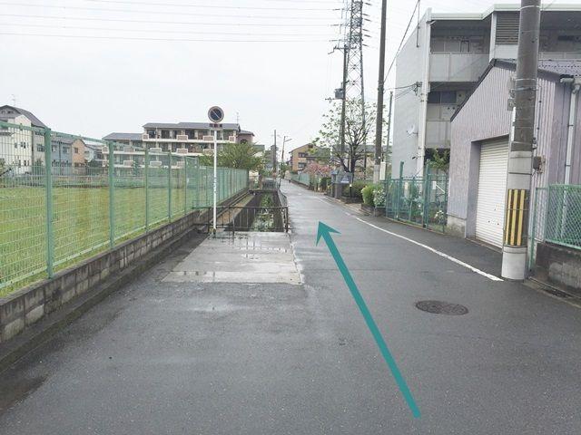 【道順4】道路幅が狭くなりますので、注意して進んでください。