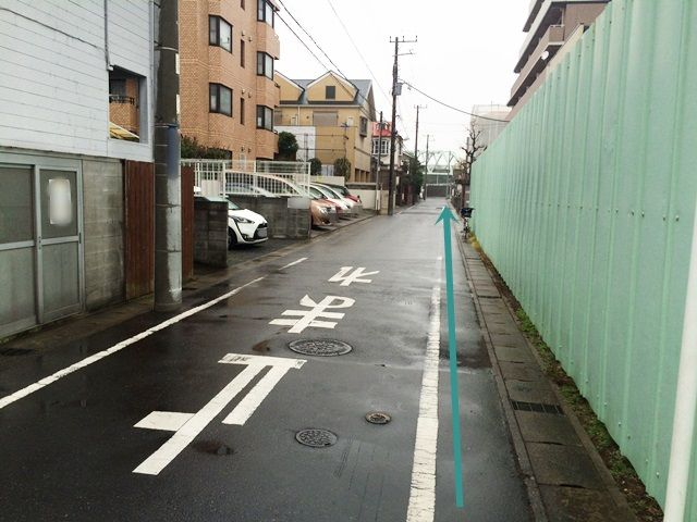 【東京ディズニーランドへの道順2】道なりにお進みください。