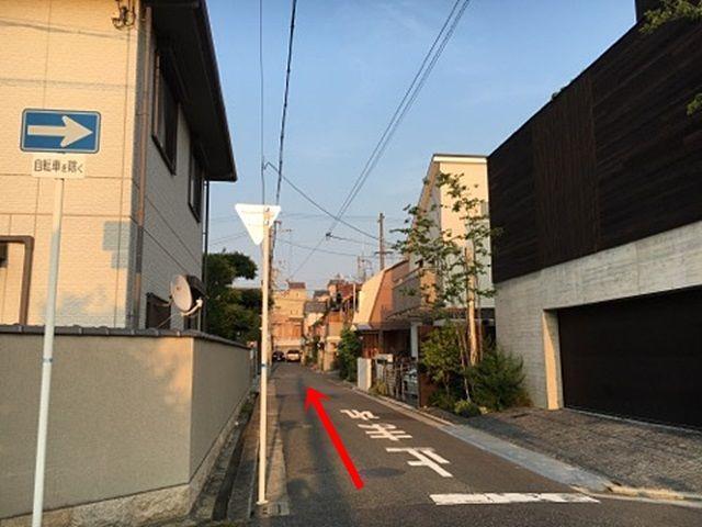 3.道順2の角で左折したらそのまま直進してください。