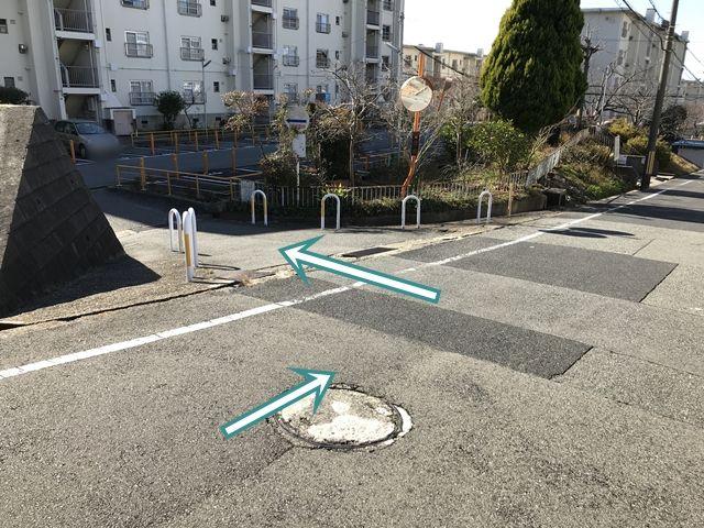 【順路5】「神戸市厚生年金住宅東多聞団地(右折後2つ目の入口)」に入ります