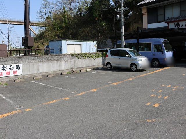 駐車場内全体写真