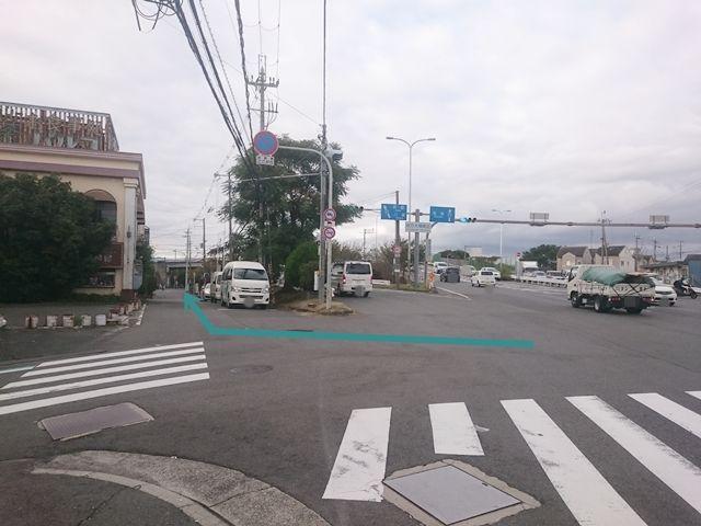 【道順1】「国道170号線」を北に進み、「枚方大橋南詰」交差点を左斜め方向に左折していただき側道を進んでください。