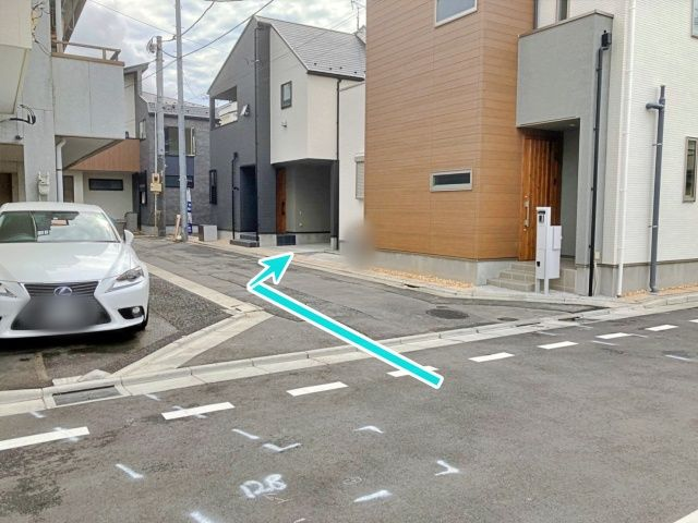 駐車場周辺①