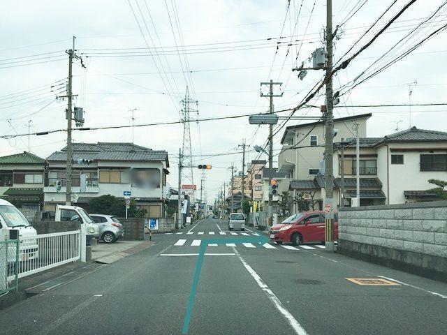 【道順1】府道39号線を「東岸和田駅」方面から「第二阪和国道」方面へ向かって進み、2つ目の信号を「右折」後直進し、3つ目の信号を「右折」してください。.jpg