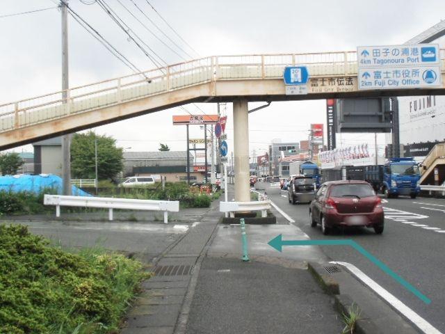 【道順1】139号線からT字路を北へ左折してください