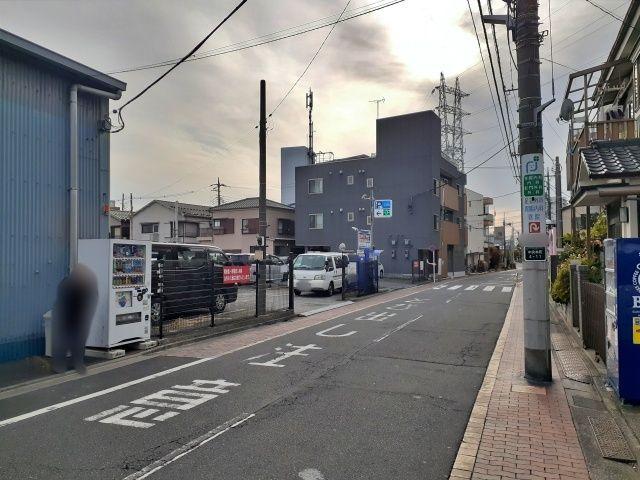 足立中央本町駐車場