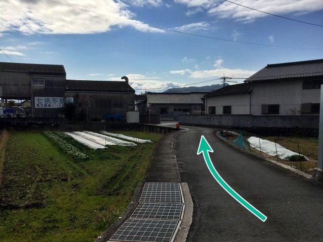 弓削田船尾駐車場