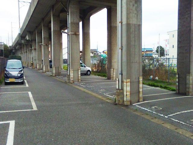 【道順3】駐車場内奥側の写真です。