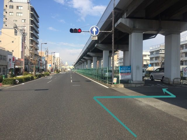 2. 1番右側の車線からこちらへ「右折」してください。