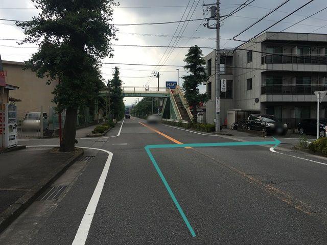 【道順1】県道505号線を「橋本駅入口」交差点から「香福寺前」交差点方面へ「北西」に進み、1つ目の十字路を「右折」してください。