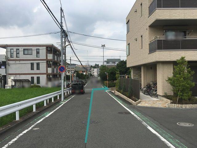 【道順5】県道505号線を「右折」後、3つ目の十字路を「右折」してください。