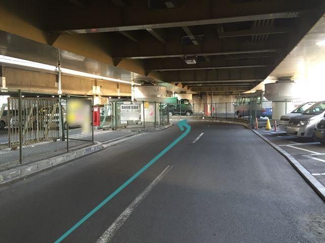 【道順2】「豊崎西第1駐車場」が左手に見えますが、そちらではありません。さらに道なりに進んで下さい。