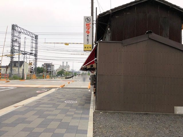 駐車場から、西側(鳥羽街道駅方面)を見た景色